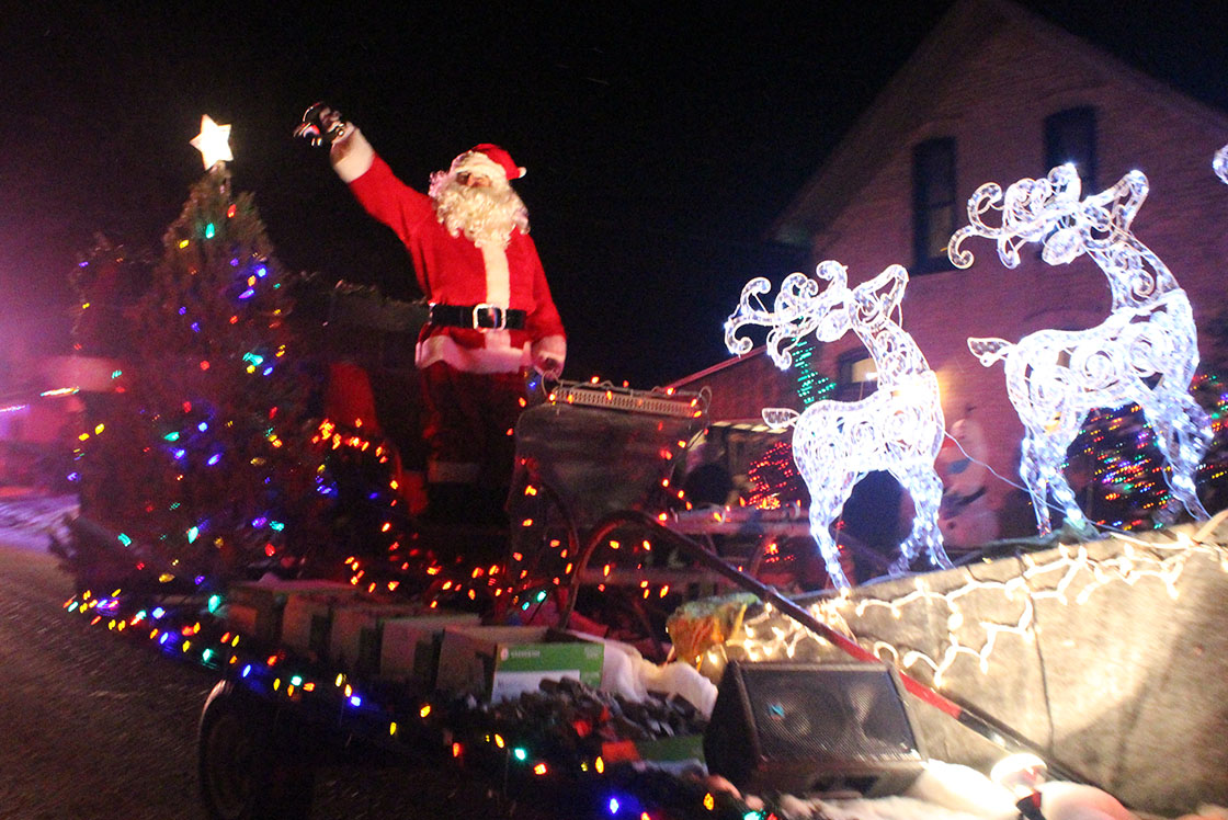 Santa Claus to visit Beaverton and Sunderland on Saturday night