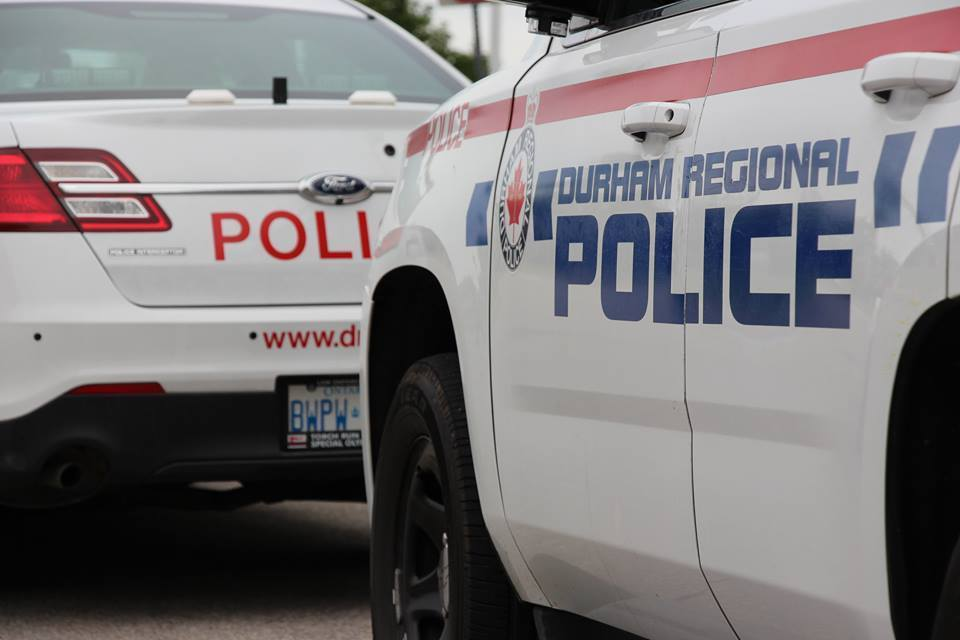 Police looking for two suspects following stabbing in Oshawa