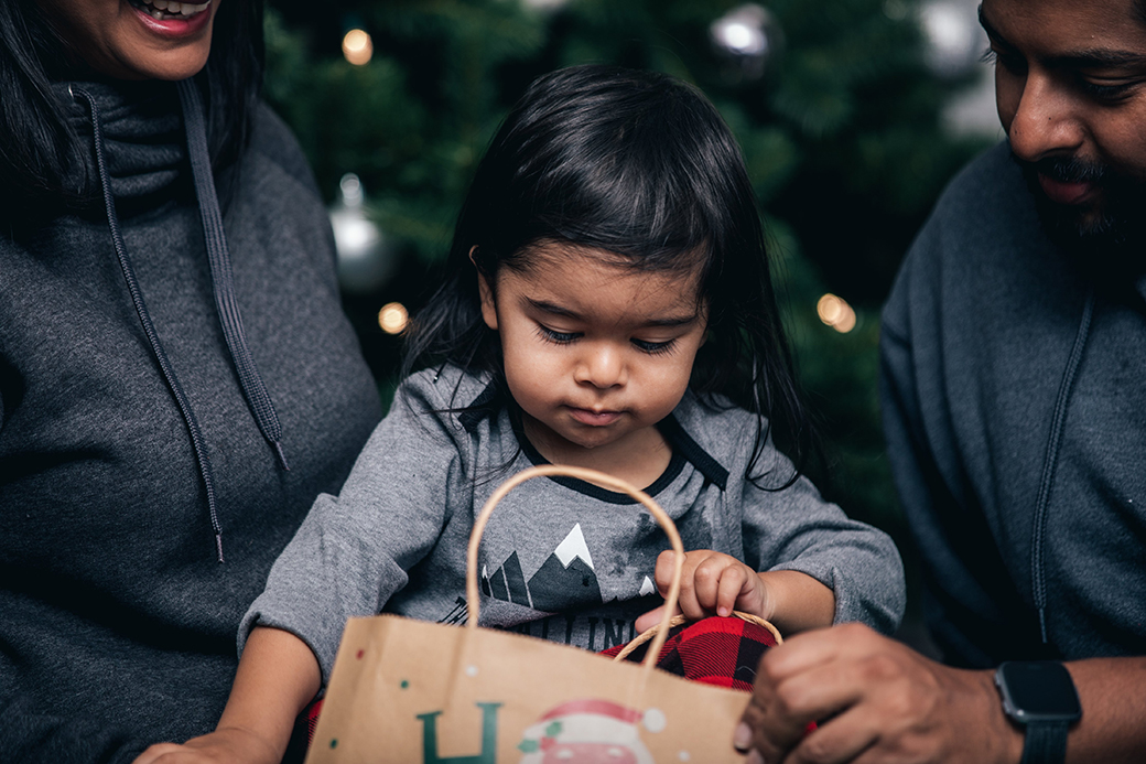 Teaching kids to give back during the holidays