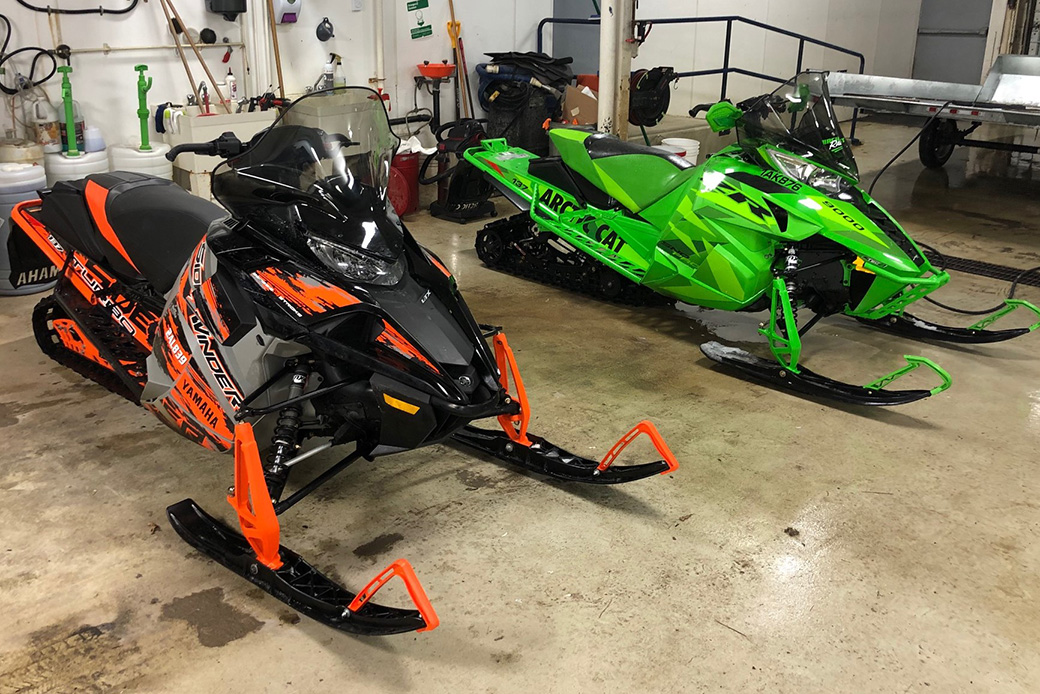 Two snow machines, trailer stolen from Kawartha Lakes business