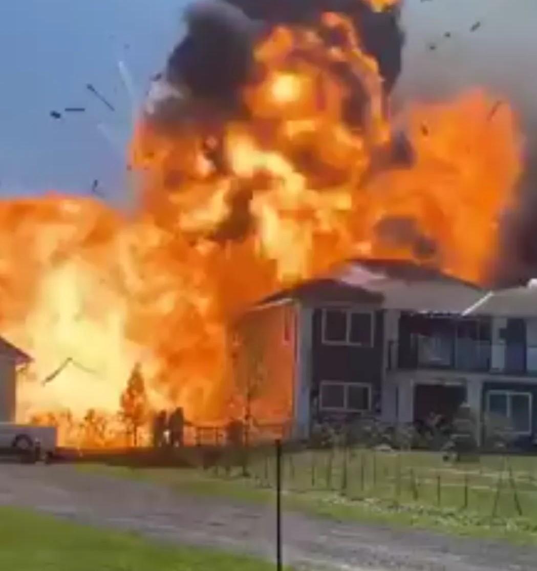 Scugog Island house explosion captured on video