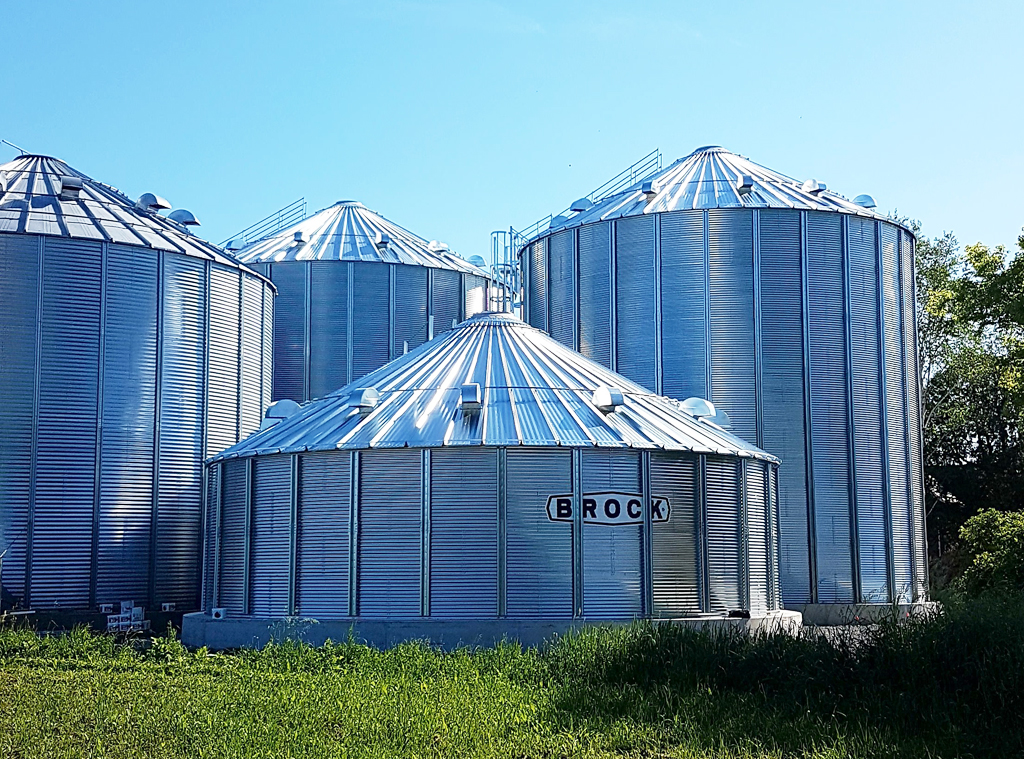 Worker at Brock Township farm suffers fatal injuries
