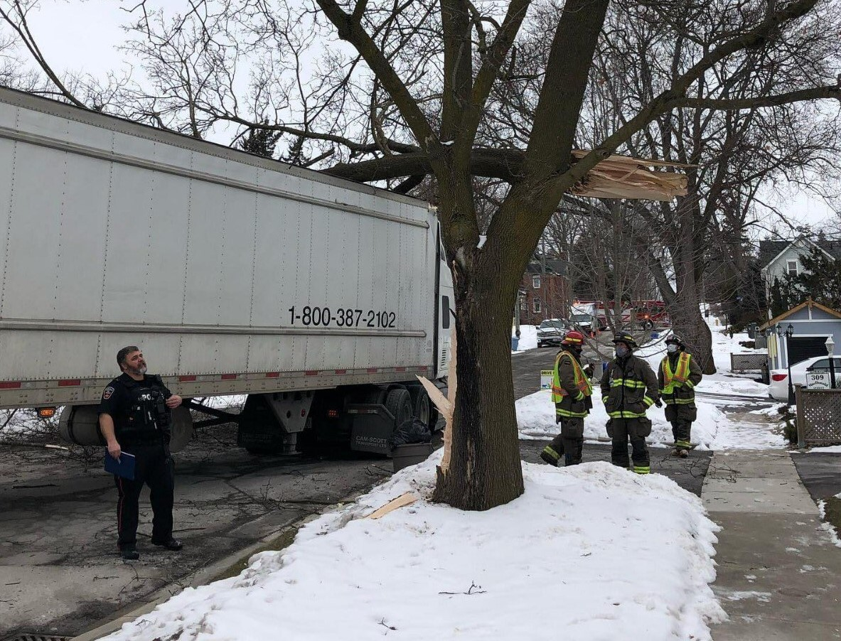 Port Perry street closed after transport truck hits tree branch
